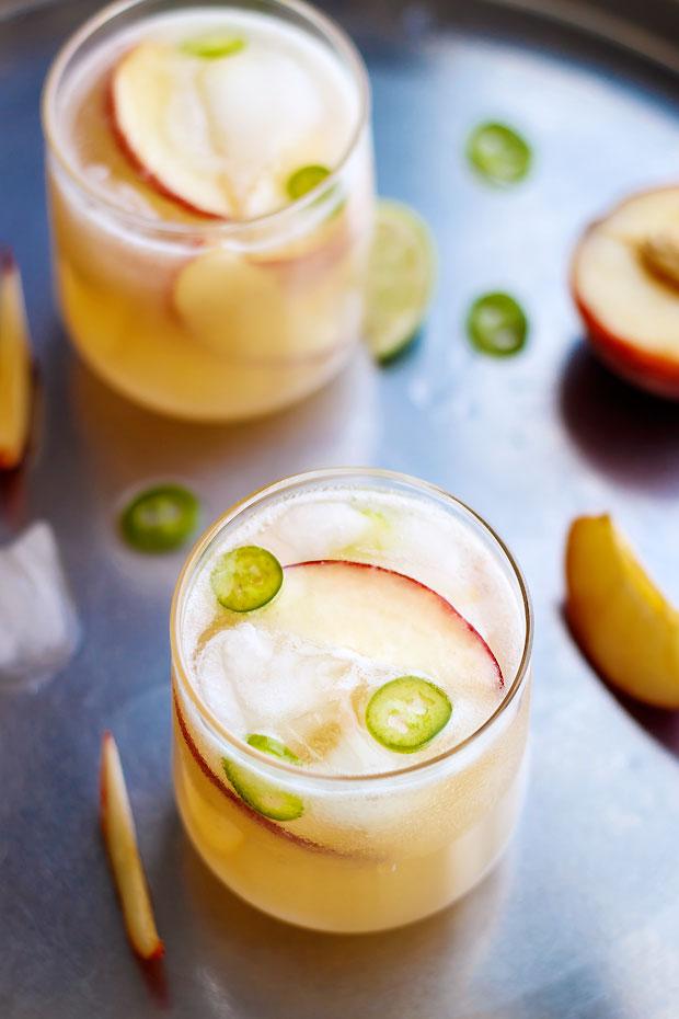DIY peach agua fresca cocktail (via www.eatwell101.com)