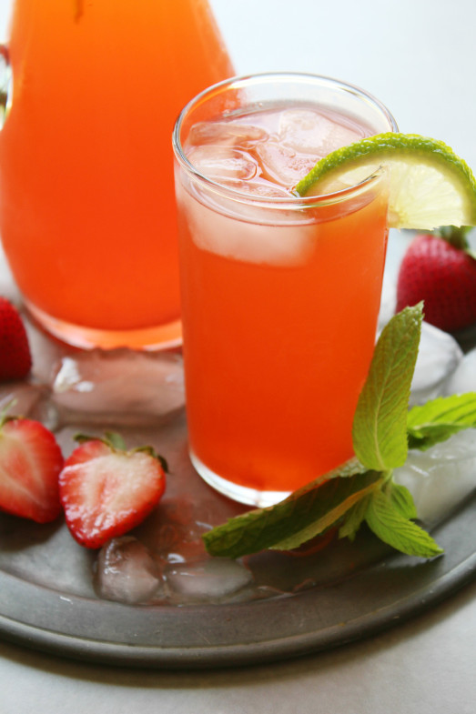 DIY Strawberry Mint Limeade (via Https:)