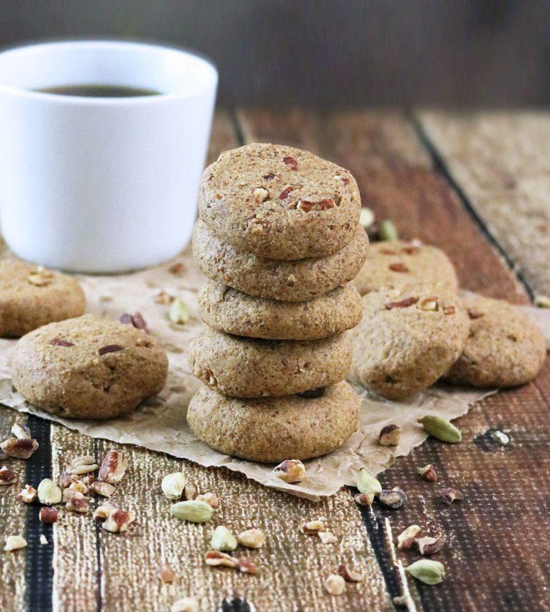 DIY ginger cardamom cookies (via runninsrilankan.com)