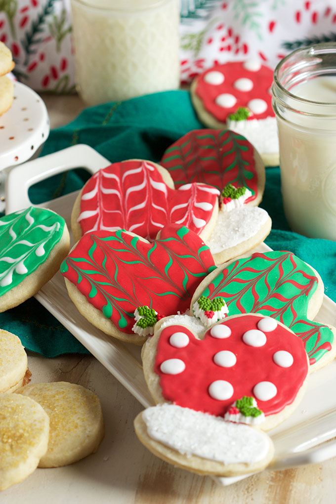 DIY sugar cookies with colorful glazing (via thesuburbansoapbox.com)