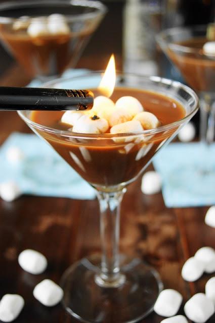 DIY hot chocolate martini (via www.thekitchenismyplayground.com)