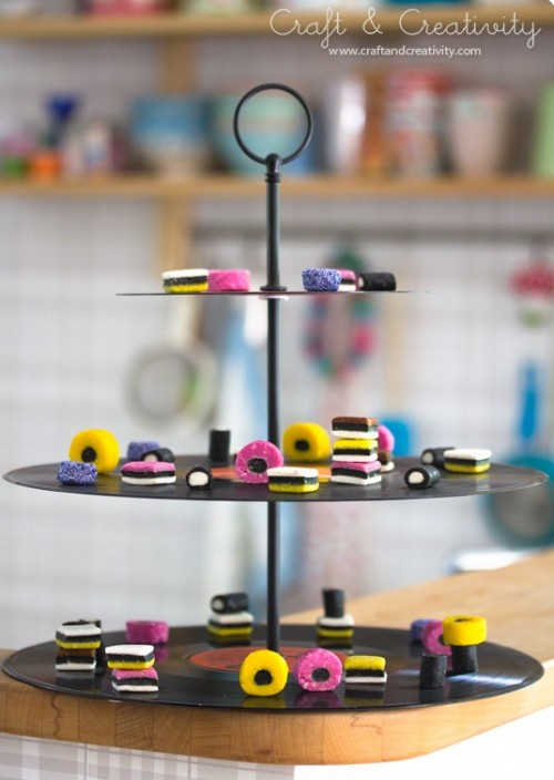 DIY vinyl record cupcake stand (via www.shelterness.com)
