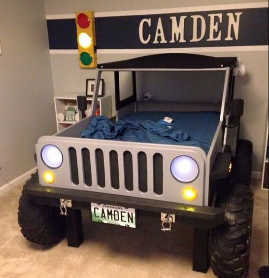 cool Jeep bed with the kid's name over it