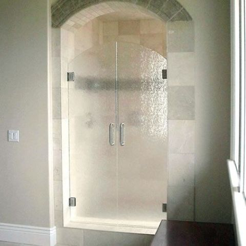 rounded rain glass shower doors for a chic look