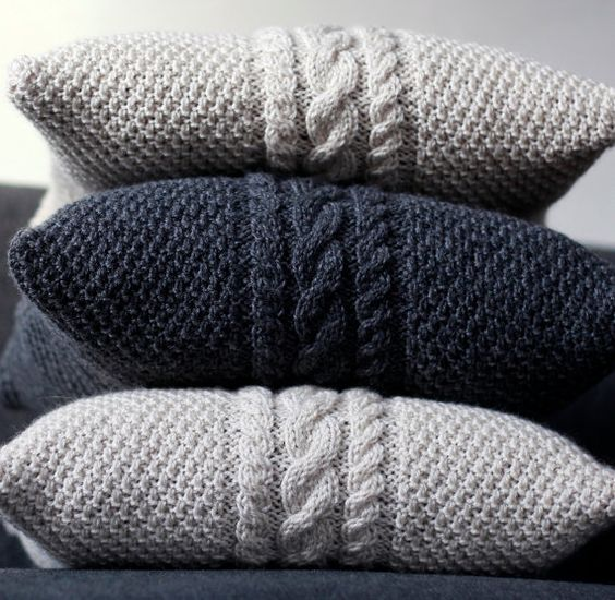 Free Knitting Cushion Patterns : 25 Knit Home Decor Ideas For This Winter - Shelterness