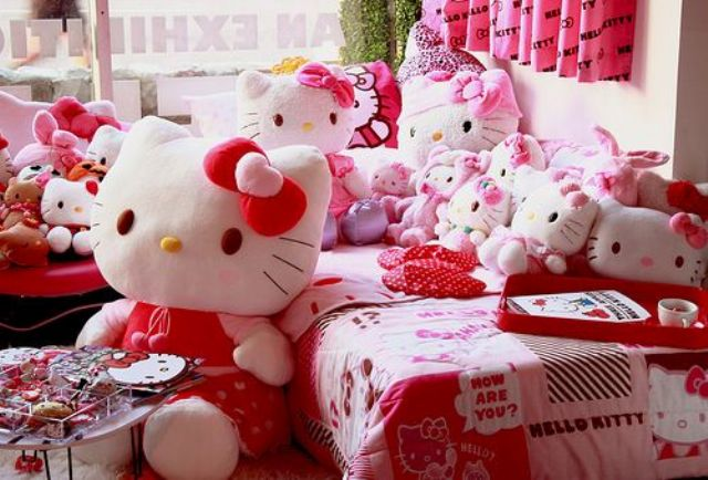 girl's room filled with Hello Kitty toys