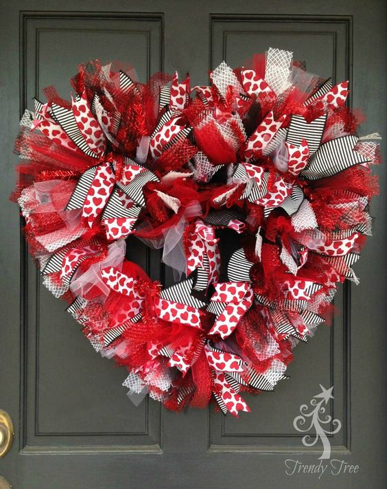 red, black and wwhite heart-shaped Valentine's Day wreath