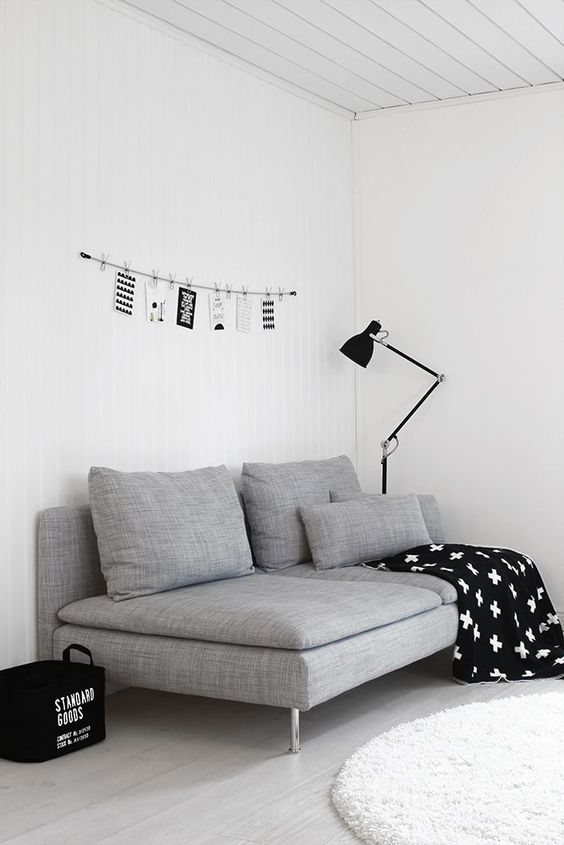 such a simple to seta sofa is enough for a small space