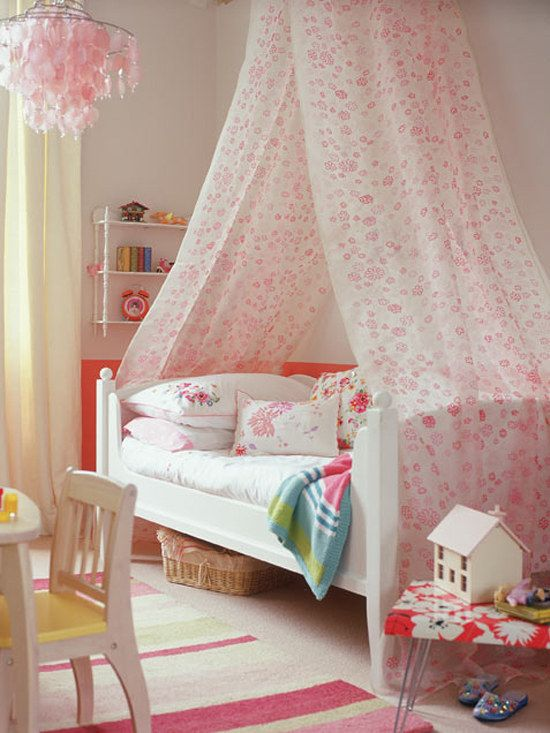 a floral canopy looks so dreamy and so girlish