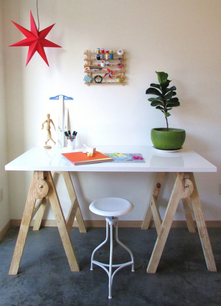 DIY modern crafting desk (via www.homedit.com)