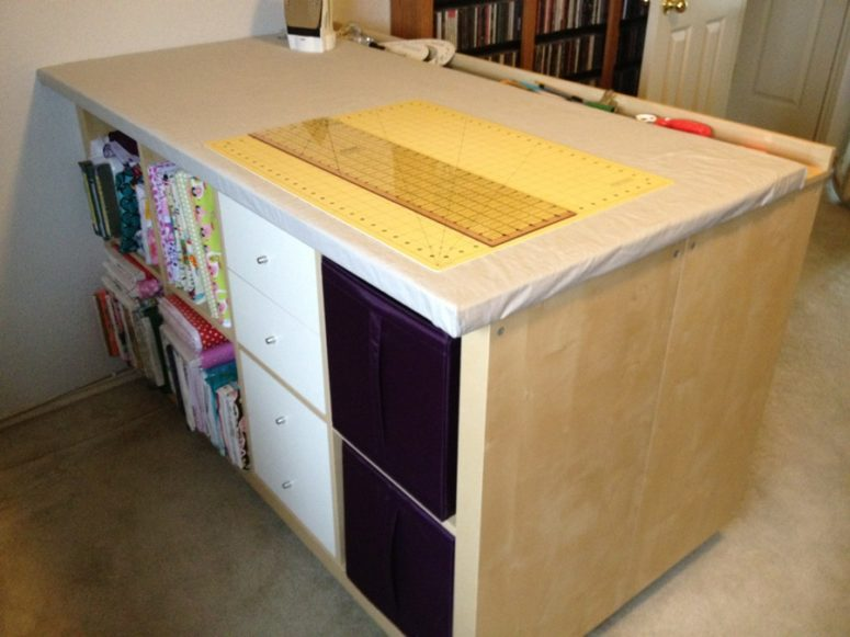 DIY Expedit crafting, sewing and cutting table (via www.ikeahackers.net)