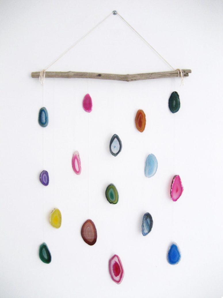 DIY agate slice wall hanging (via adorablest.com)