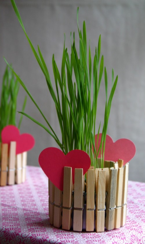 DIY clothespins and tin can planter or candle holder (via www.shelterness.com)