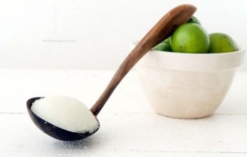DIY lime salt body scrub (via www.shelterness.com)