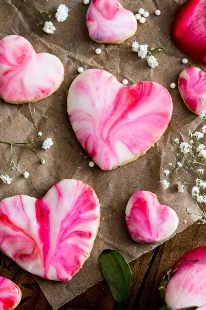 DIY heart-shaped glazed cookies (via sugarspunrun.com)