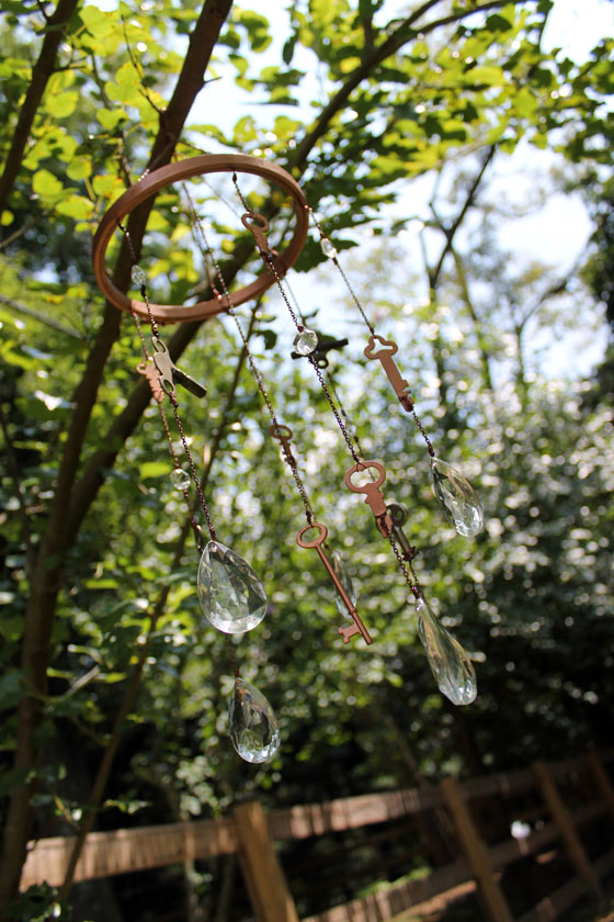 DIY vintage keys and crystals wind chimes (via https:)