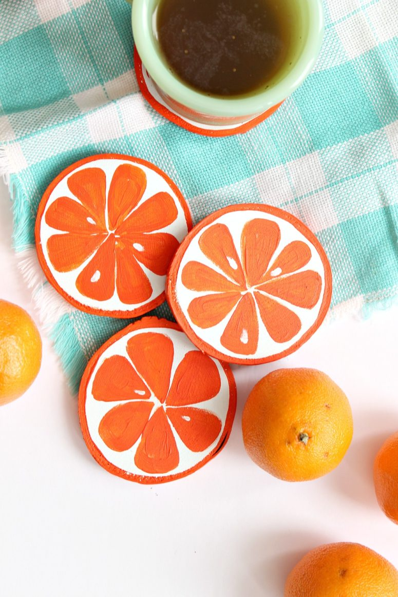 DIY orange slice coasters of wood (via www.danslelakehouse.com)