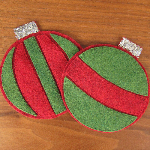 DIY striped Christmas ornament coasters (via www.justcraftyenough.com)