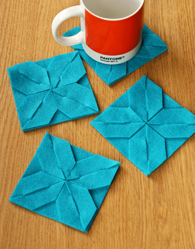 DIY teal modular felt coasters (via howaboutorange.blogspot.ru)