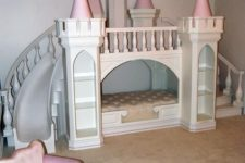 02 a castle as a playhouse and a bed in one is unique idea