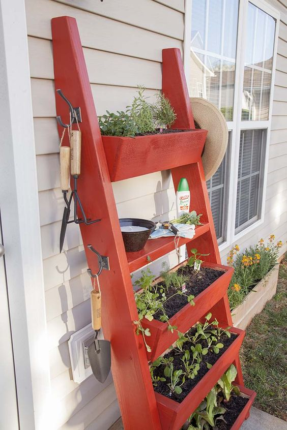 bold red DIY planter box ladder is great for any outdoor space