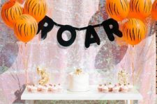 08 animal-printed balloons for the dessert table