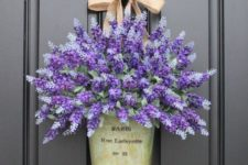 08 hang a bucket with flowers instead of a wreath