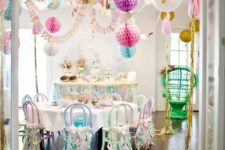 15 balloons hanging over the tables will easily create a festive ambience