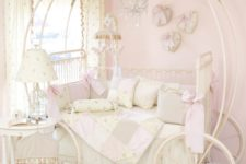 15 sophisticated Cinderella carriage bed with off-white and blush decor