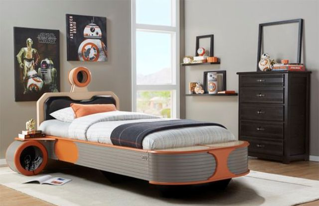 landspeeder bed in orange and navy