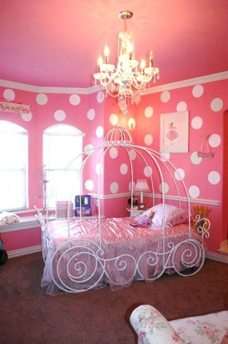 wire carriage-shaped girl's bed will connect it with the rest of the room and bring more light