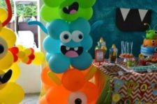 17 colorful monster balloons for the entrance