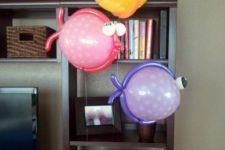 18 balloon fish decorations for a sea-themed baby shower