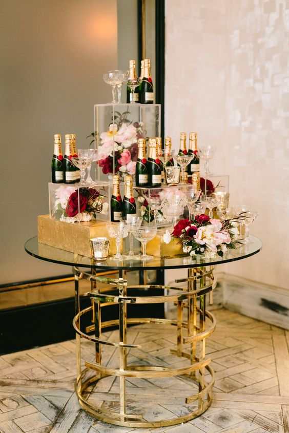 Moet, macarons and flowers for 30th birthday party decor