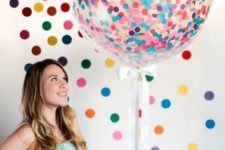 20 giant confetti balloons are suitable for any gender party