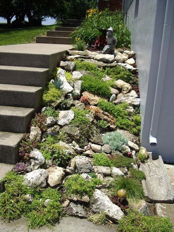20 beautiful rock garden design ideas shelterness for Rock garden designs images