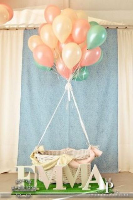 hot air balloon decoration for a girl's baby shower