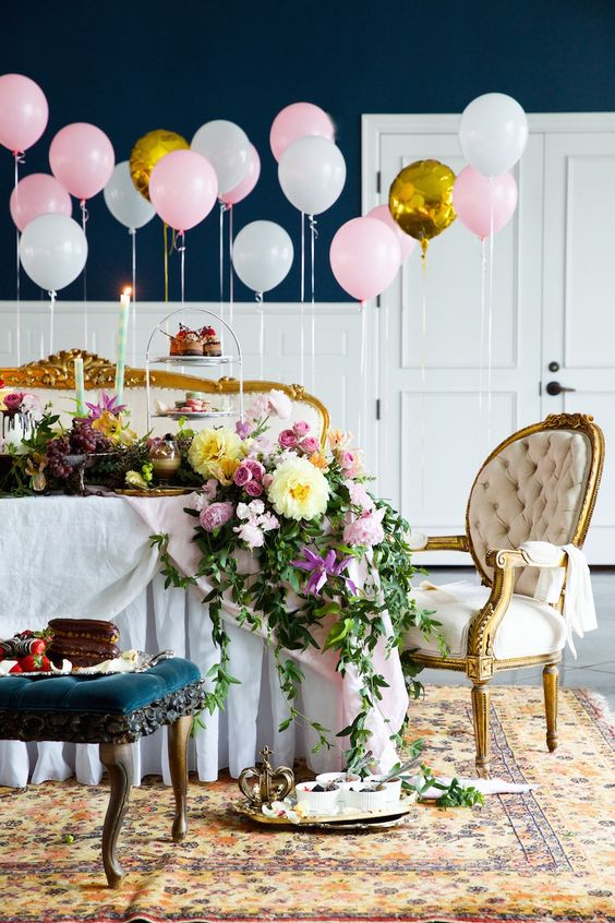 pink, gold and white balloons for the exuqisite shower decor