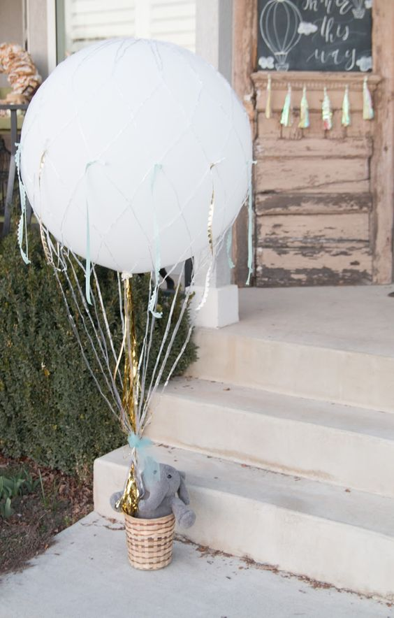 hot air balloon decoration is ideal for any baby shower and any gender