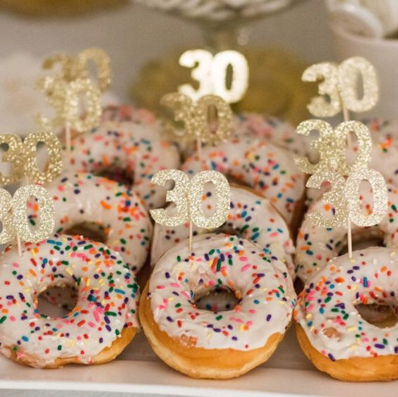 top the dounts with glitter 30 toppers