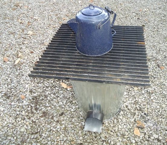 DIY rocket stove from a trash can (via www.instructables.com)