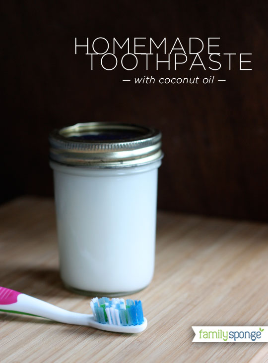 DIY baking soda and coconut oil toothpaste (via familysponge.com)