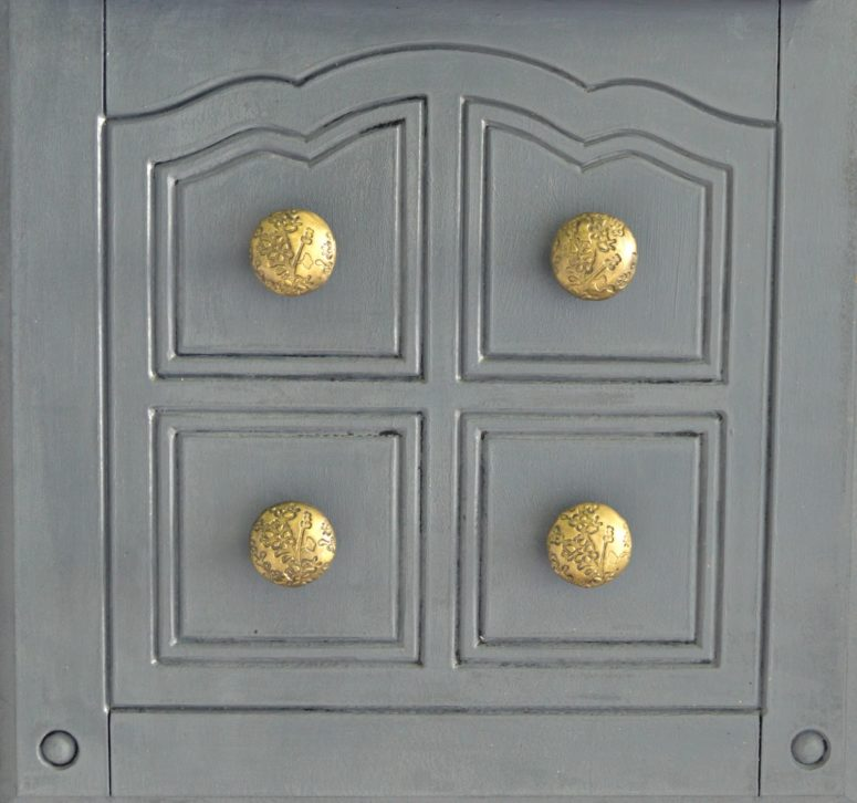 DIY polymer clay door knobs (via www.vikalpah.com)