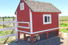 DIY chicken coop from pallets