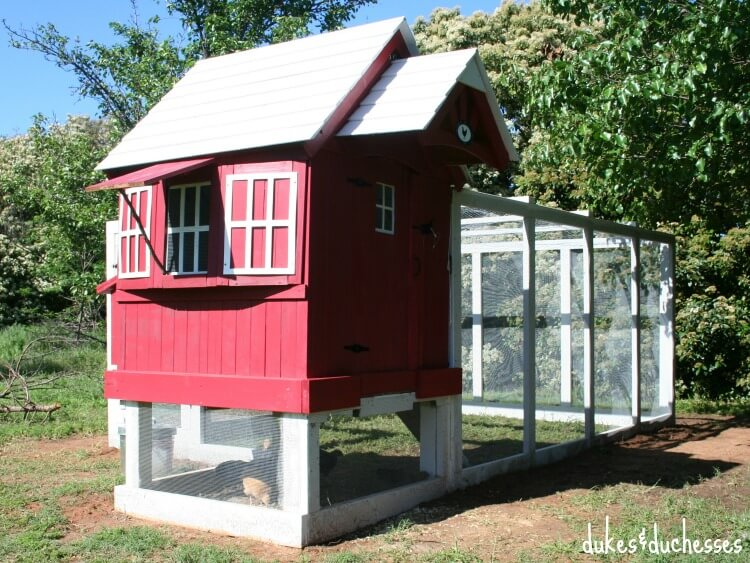 DIY chicken coop from an old playhouse (via dukesandduchesses.com)