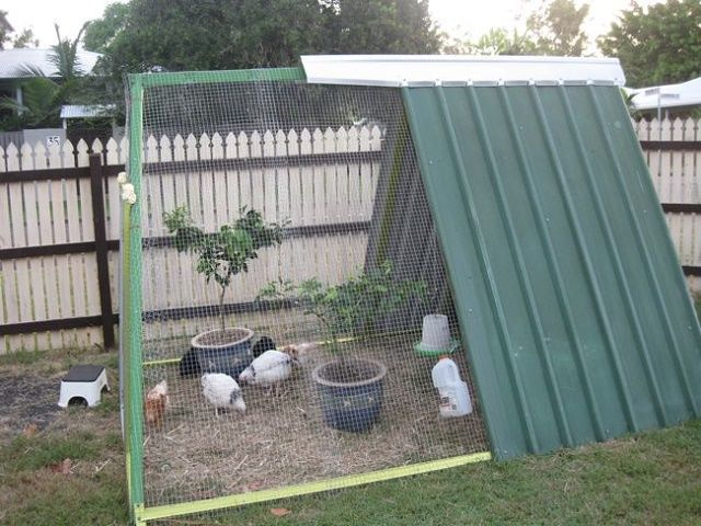 DIY upcycled chicken coop (via www.countryliving.com)