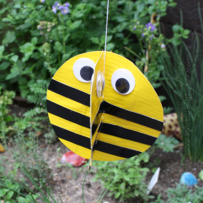 DIY duct tape bee craft (via craftsbyamanda.com)
