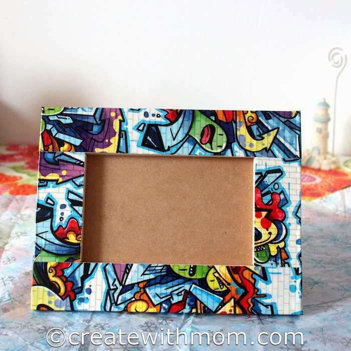 DIY colorful duct tape decorated picture frames (via www.createwithmom.com)