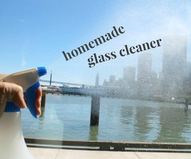 DIY glass cleaner recipe (via www.instructables.com)