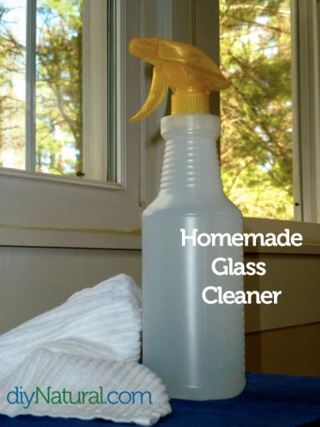DIY window cleaner for cheap (via cdn.thankyourbody.com)